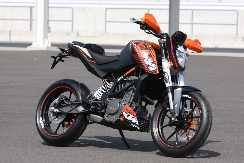 ktm 125 duke top. Black Bedroom Furniture Sets. Home Design Ideas