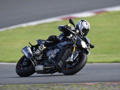 BMW S1000R試乗 『サーキット対応ネイキッド、 手軽に味わえるBMWの本気度。』