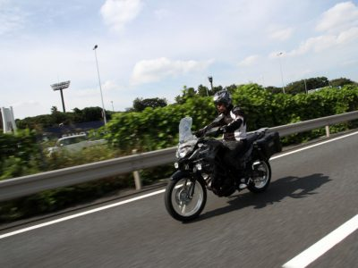 KAWASAKI VERSYS-X 250 TOURER 試乗 『街乗りならZ250SL スポーツランならNinja250 そして長距離を走るならヴェルシスだ、という カワサキの適材適所戦略』