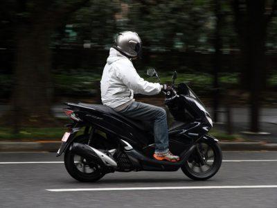 "Honda PCX HYBRID ""4秒間""の未体験ゾーンヘ"