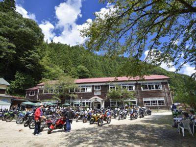 秋の「モトカフェ木沢小学校」期間限定オープン