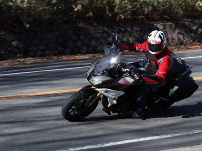 YAMAHA TRACER900 GT ABS スキのないアップグレード ユーティリティプレイヤー、トレーサーは ニッポンの好ましいツーリングバイクだ。