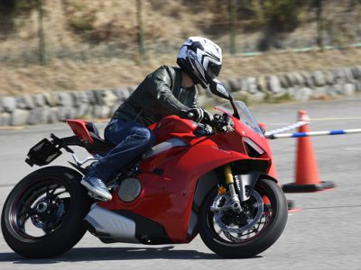 外国車試乗祭 ── Vol.3 Ducati Panigale V4 S 『鳥かごにハヤブサ』