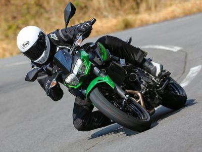 Kawasaki Z400試乗 『ムカシの4気筒はスゴかったなぁ…… もうそれ、通用しませんから!』