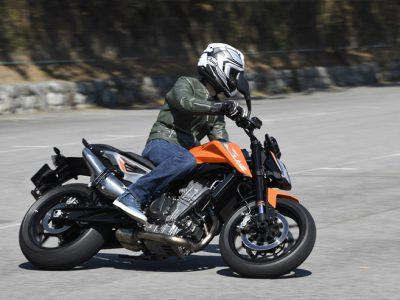 KTM 790 DUKE 『KTMの新たなチャレンジ、799ccコンパクトパラツインエンジンに試乗する』