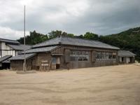 小豆島を有名にした映画と言えば名作「二十四の瞳」だろう。島内にある「二十四の瞳映画村」には映画を撮影したセットが残っている