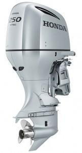250馬力を発揮する大型4ストローク船外機「BF250」は、船外機としては世界初となるダイレクト吸気システムや高い充電性能を実現。米国舟艇工業会が主催する「IBEX2011イノベーションアワード」の「船外機部門賞」を受賞している。