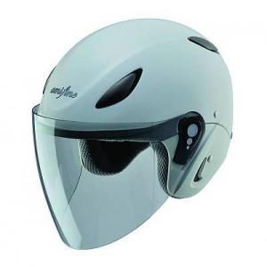 amifine FH1:2012年新登場の次世代ファミリーヘルメット。6ヶ所のベンチレーション、新素材の消臭生地あごひもを採用。内装フル脱着可能。UVカットシールド装備。