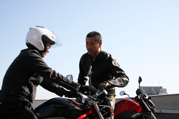 ジャーナリストとして大活躍している(WEBミスター・バイクでもお馴染みですね)松井 勉さんが先生として登場。とっても分かり易い教え方です。