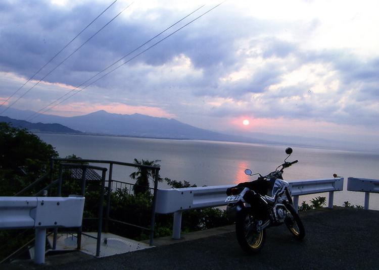 ようやく朝日が!! さあ、やっと美しい赤富士が見られるぞォー♬