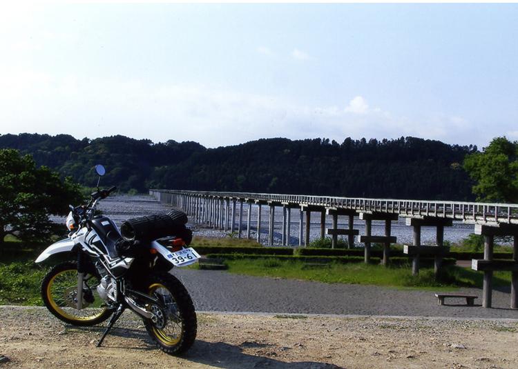 これが世界一の木造橋なんだァ−? 昔から1回見たいと思っていたのよねェー