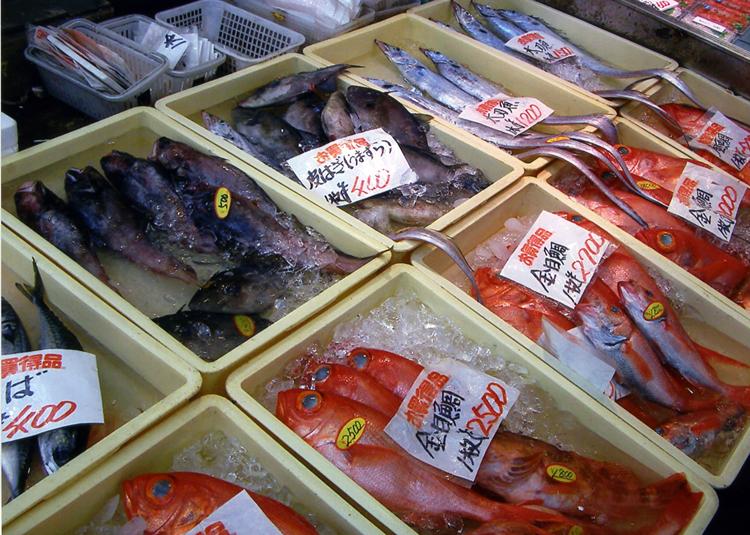 九州の実家には、カニとか煮魚を送っておきました。すぐに食べられるから喜んでくれましたよ