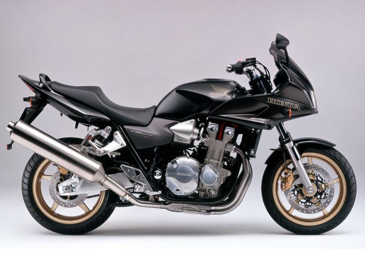 2005 CB1300SB