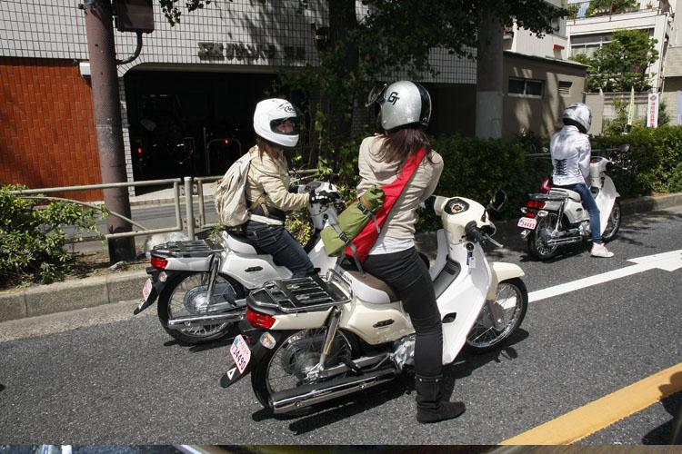 久々に会えた斎藤のんちゃんにテンションが上がって、写メを撮っている私。みんなでこうして走るってことないからね〜!