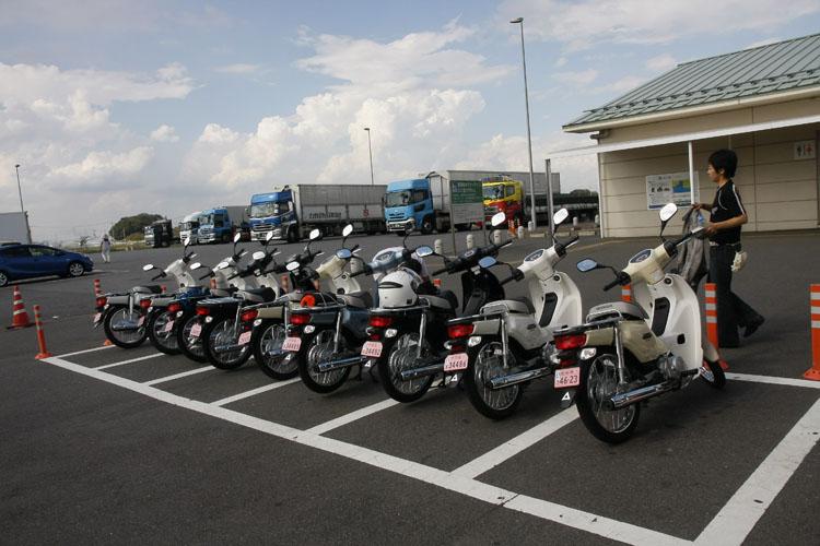 """""""道の駅ごか""""がチェックポイント。これだけカブが集まっていると迫力あるね!ここでお昼をいただきました。http://roadgoka.gozaru.jp/"""