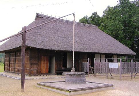 平成18年に復原された桜町陣屋。住居軒役場といったところかな
