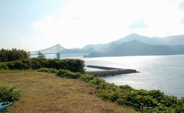 湾岸ハウスから見える生月大橋。オレはここから見える景色がとても好きなのですよ。はい