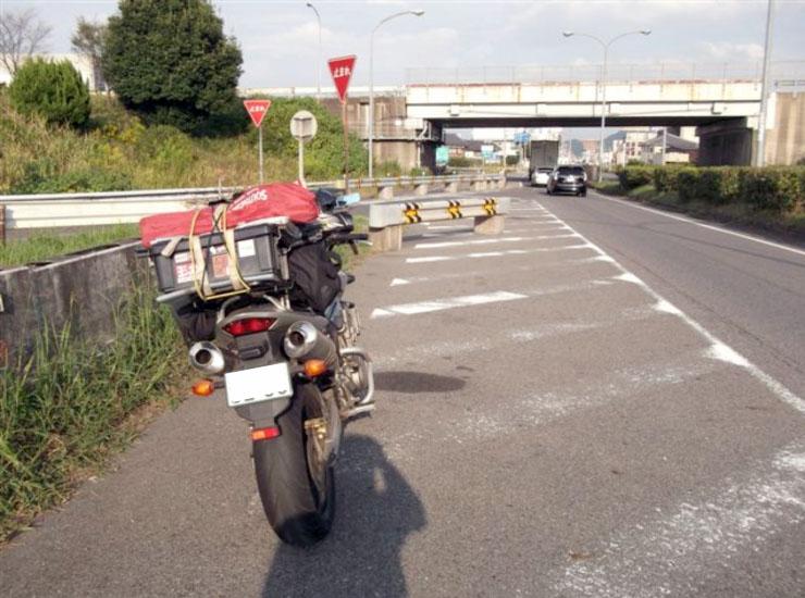 久々にコイツの登場だ。静岡までは下道と高速を使い分けながら走りそれ以降の行き帰りは高速の一気走り。当たり前だがやはり速い!