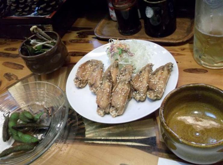 いつも外で肉焼いて食ってるわけではない。名古屋で食した手羽をはじめとする料理は最高だった。オレはグルメではないがたまには旨いもの食わないとね