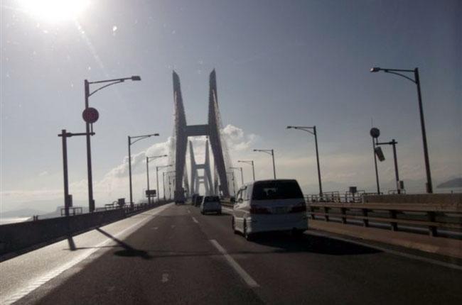 瀬戸大橋を渡っての越冬参加は久しぶり。しかもバイク以外を運転して行くのは初めて。はい、楽チンです。車の便利さは認めざるを得ないですな