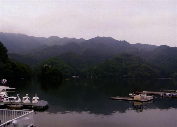 神奈川県民の水ガメ、相模湖。今年はカラ梅雨みたいだけど大丈夫なのかなぁ〜!?