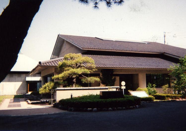 近くにある、椋鳩十記念館。先生の生い立ちやたくさんの作品のことを知ることができるんだよ