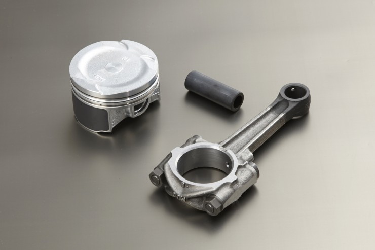 20140203_new650engine_P006_piston.jpg