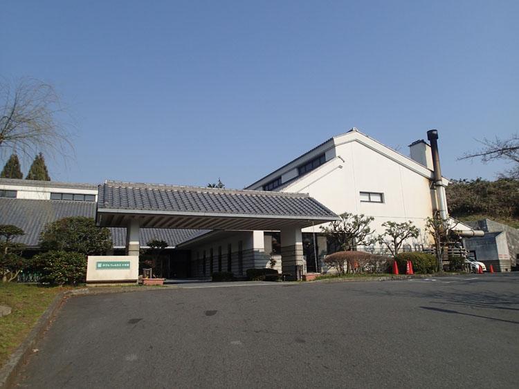 1日目の宿泊先である「ホテルウェルネス大和路」。写真は翌朝撮影したもの。施設が充実しており、まさに「当たり」のホテルだった