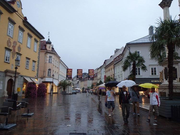 クラーゲンフルとも雨・・・