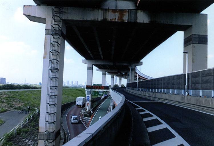 鹿浜橋ランプから乗って,東北道に入ります。だって,関越道をイッキ走りする自信ないんだも〜ん