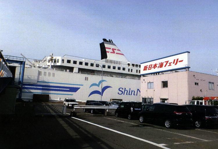 新潟から小樽までは新日本海フェリーが運んでくれます。なんかワクワクしてきました