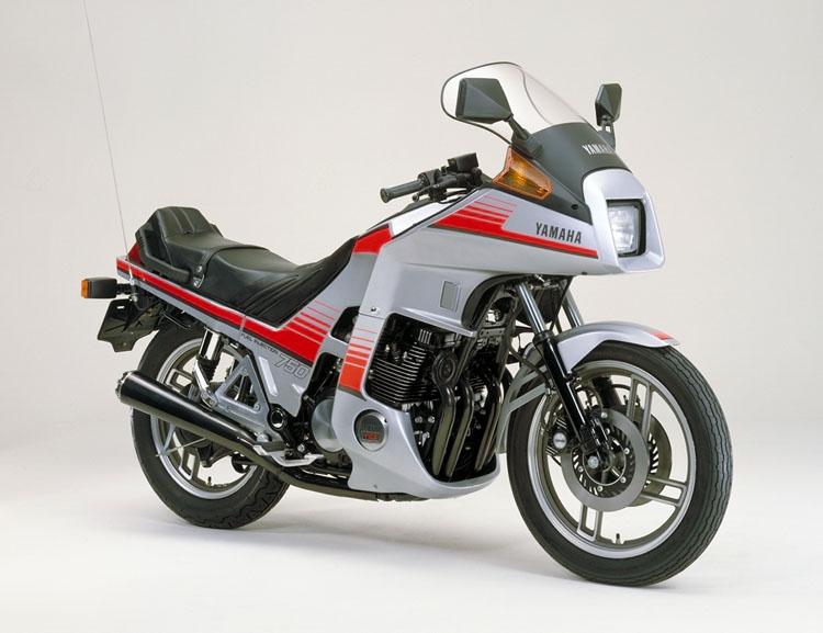 XJ750D