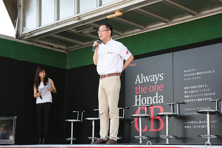 開会にあたり、加藤千明社長からCBへの愛顧のお願いと挨拶があると、会場から一斉の拍手喝采がありました