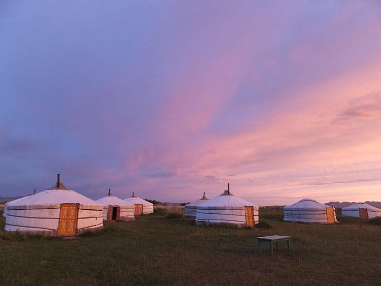 これがツーリストキャンプ。ゲルに泊まります