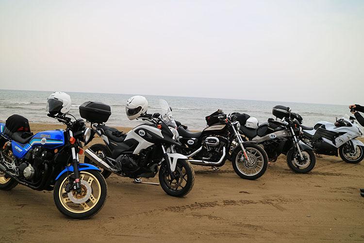 千里浜に着いた愛車たち