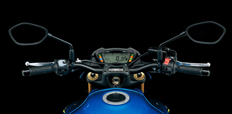 20150706_46_GSX-S1000AL6_cockpit.jpg
