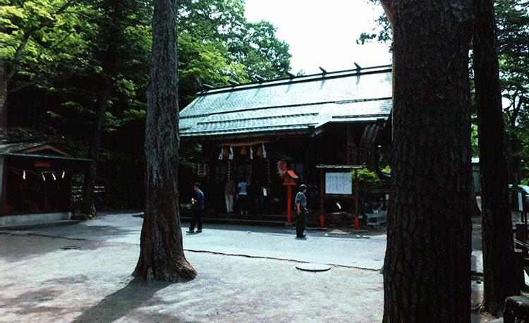 階段の一番上には伊香保神社がお祀りされていました