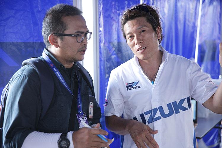 チームのゼネラルマネージャーである加賀山就臣もその取材対応に追われた