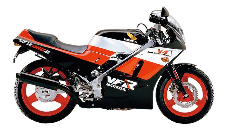 VFR400RNC21_ブラック×モンツァレッド