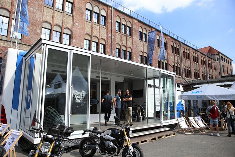 BMW Motorradのオフィシャルブース