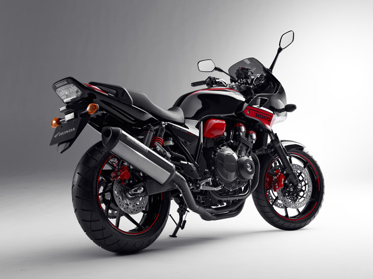 CB400_SUPER_BOL_D_OR_Custom_Concept_044H.jpg
