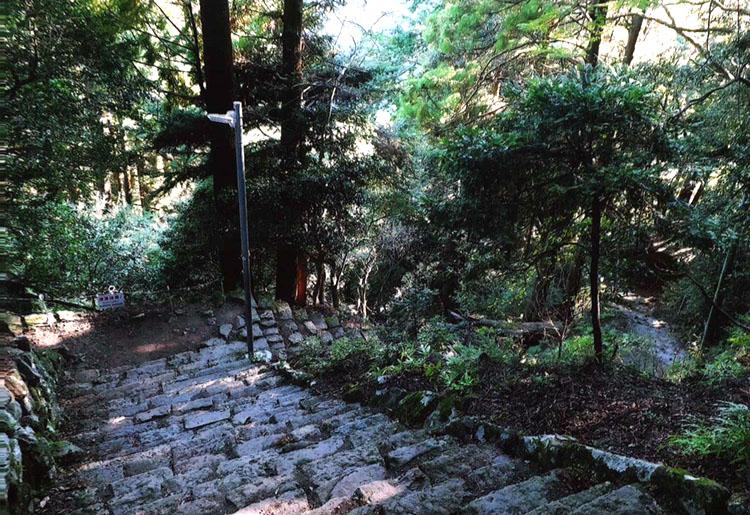 凸凹の階段