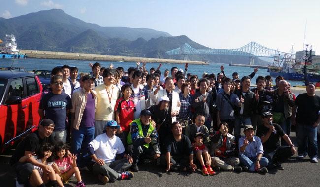 最後に参加者全員で記念撮影。天気にも恵まれてそれぞれにいい思い出ができた事だろう。来年もまた元気な姿で再会できたらいいね