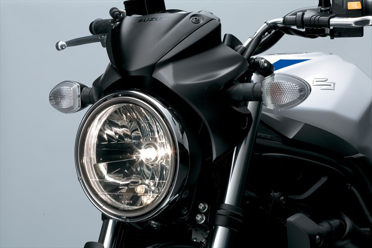 SV650_A_L7_HeadLight.jpg