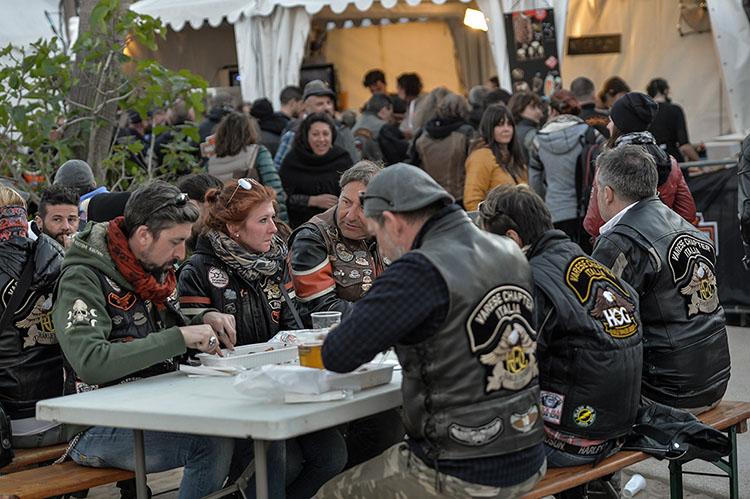 ユーロフェスティバルに集まった人たち