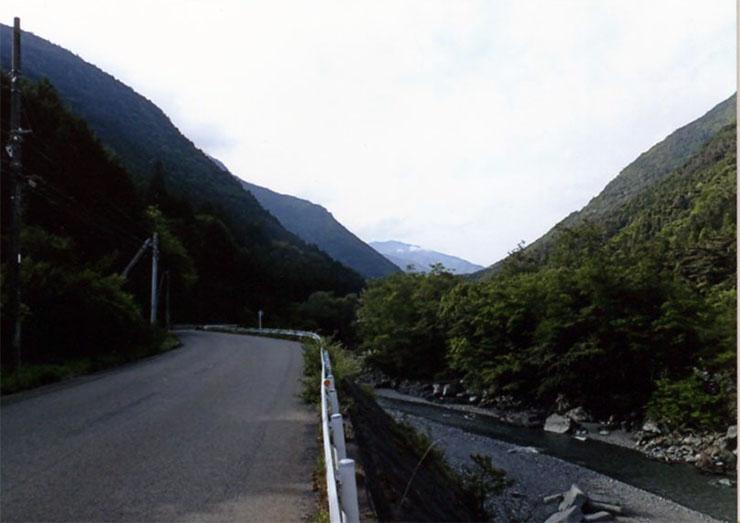 美しい山や川