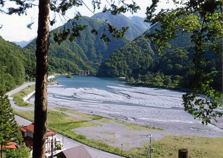 昔の奈良田の村