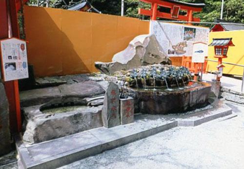 九頭竜神社の名水