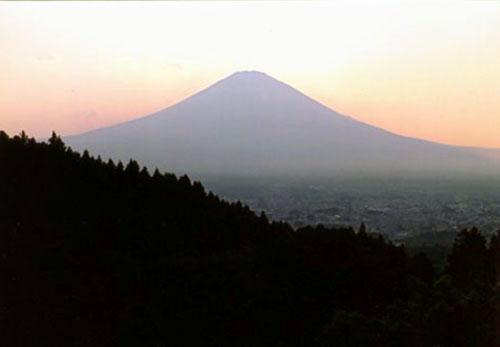 シルエットの富士山