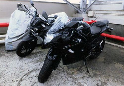 カワサキZ250ABS、Ninja250SL